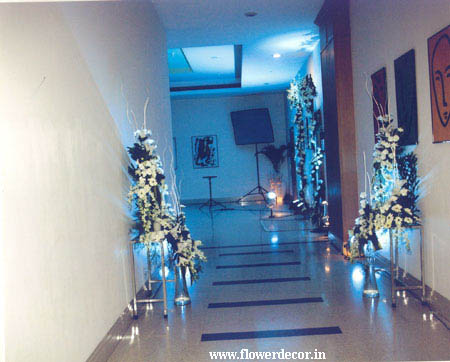 Passage Floral Decor for Ring Ceramony
