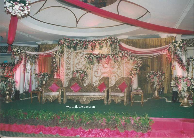 Wedding flower decoration photo gallery flower decor wooden carved backdrop junglespirit Images